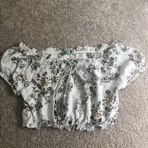 LF BRAND off shoulder crop